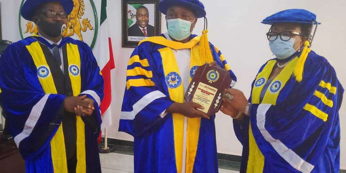 ESCET Issues Certificates To Graduands After 13 Years, School Thanks Ugwuanyi